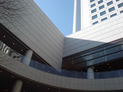 オペラシティ
