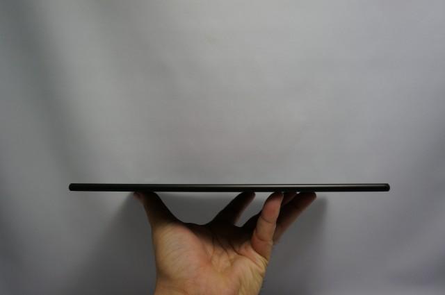 6.1mmの薄さは同クラスのAndroidタブレットで最薄